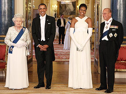 Hosts and Guests - Last week President Obama and The First Lady Michele Obama visited Great Britian. Here they are with Queen Elizabeth and Prince Phillip.