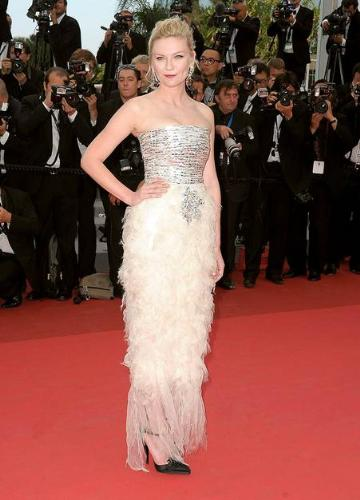 don't like - I just don't like this dress! I don't care for the feathering!