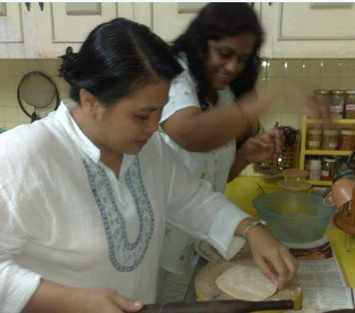 chapatti day with Indian friends ....we will cook  - chapatti day with Indian friends ....we will cook more