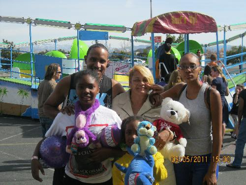 the victorville fair! - me, timothy, jamila, jailah, jailen at the fair. yeah we had fun!