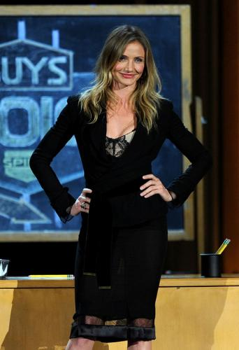 Cameron Diaz - I don't like the dress! It is sheer on the bottom of the hem which makes it look bad!