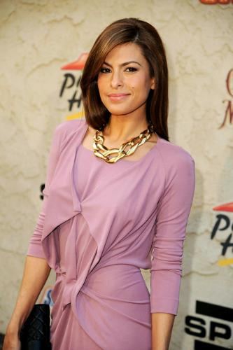 Eva Mendes - Eva Mendes at this years Spike Tv awards. I don't like big necklaces and I didn't care for the style of dress she wore.