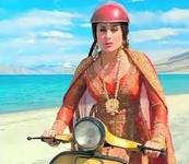 karina in 3 idiots - with her famous scooter