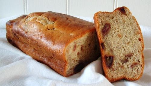 Healthy Cake - This is a healthy banana and date cake. Low in fat, sugar and calories
