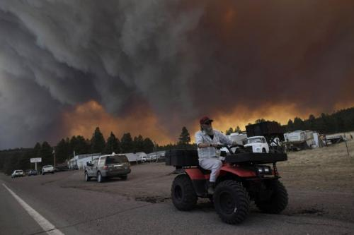 Wildfires - Smoke from the Arizona wildfires creeping towards more homes.