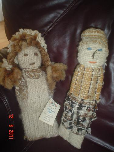 Chilean dolls. - The dolls come from Chiloé, in the south of Chile. They are both andmade.