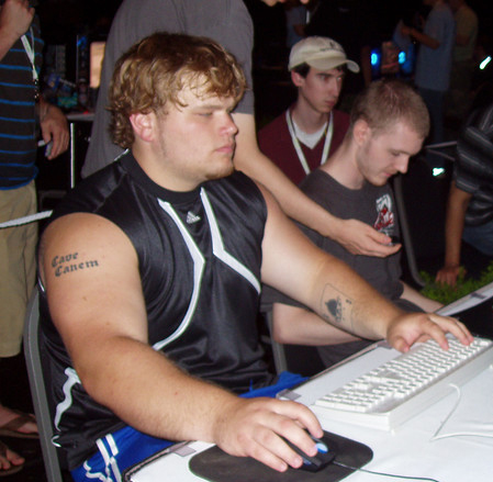 "Geoff ""incontrol"" robinson  - This is a picture of the guy dating miss oregon USA. This is Geoff Incontrol robinson at a starcraft tournament, perhaps in starcraft's broodwar days (if you understand)."