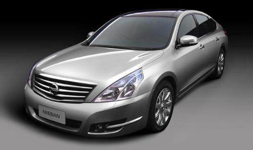 Nissan Teana - A very much better looking car from Nissan, comparing to the Cefiro.