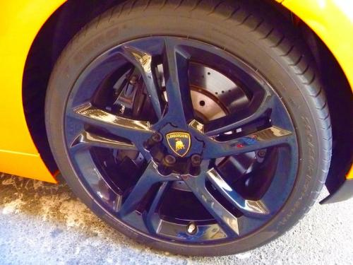 rims - Wheel with black mags.