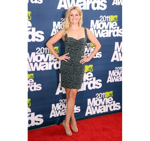 Reese Witherspoon - She looks so cute in this dress! She is so fashionable!