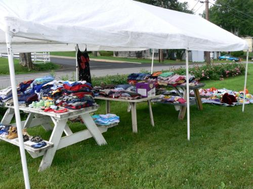 my yard sale - A photo of my 25 cent sale / yard sale today
