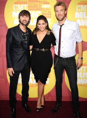 Lady Antebellum - The trio is made of David Haywood,Charles Kelly and Hillary Scott.