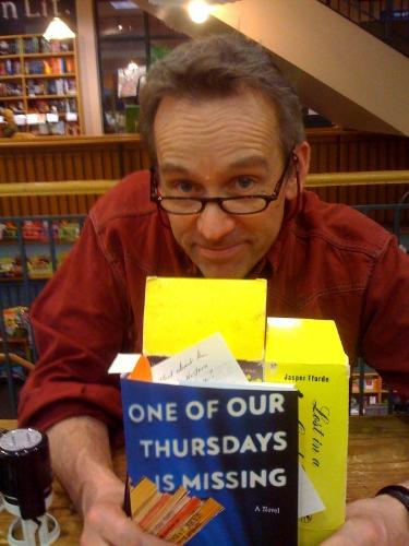 Jasper Fforde - with the book he signed for me!