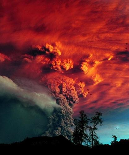 Volcano - The Chilian volcano which has been erupting lately. Awesome photo!