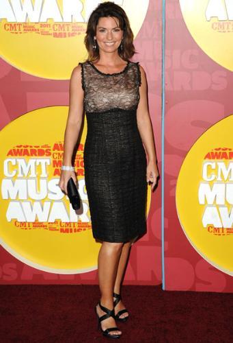 Shania Twain - She is finally in the spotlight again! I like the dress!