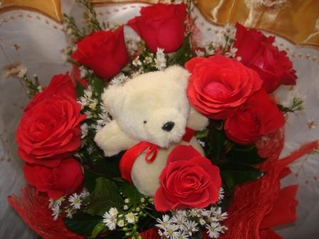 roses and teddy bear - valentines day 2011 - My boyfriend gave me this last valentines day.. so sweet. :)  --shot from my Sony cybershot camera