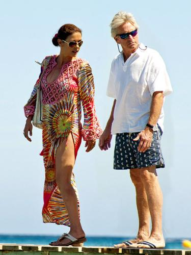 Catherine and Michael - Cartherine Zeta-Jones and husband Michael Douglas at the beach.