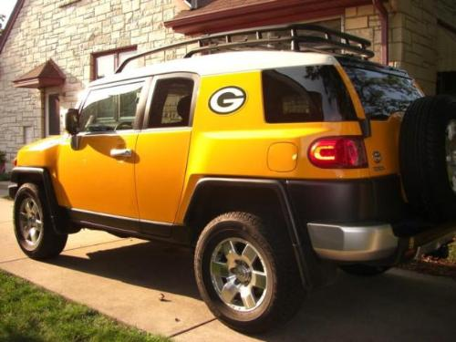 Packer Mobile - A toyota suv in Green Bay Packer colors! It has the Packer logo on it,too!