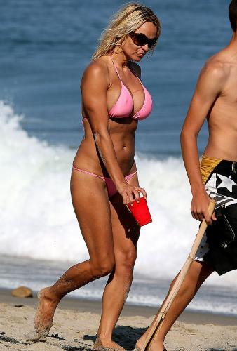 Pamela Anderson - Still looks great in a bikini!
