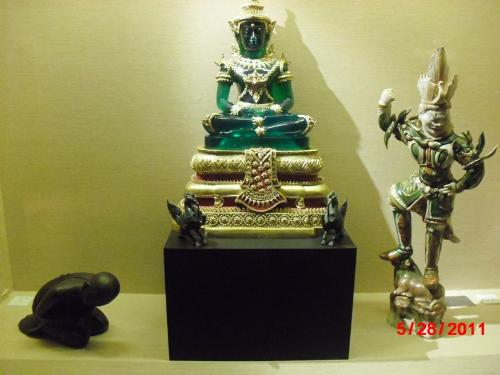 Jade statue - The richness of religions in Asia