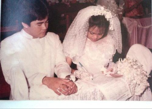 Wedding photo - Signing of marriage contract