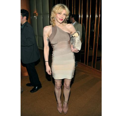 Courtney Love - This woman has no taste in fashion!
