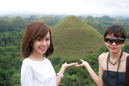 cholocolate hills, bohol - one of the nice place at Philippines
