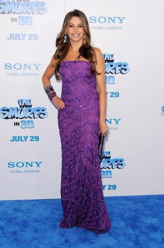Sofia Vergera - Love the dress! Love the color! Sofia Vergera in so beautiful and she never seems to wear anything bad!