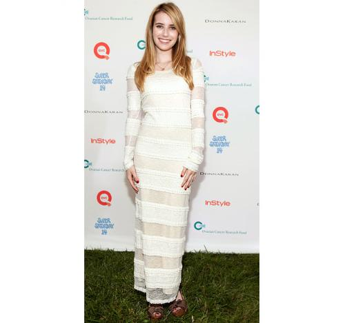 Emma Roberts - She looks like a mummy in this dress! She looks terrible!