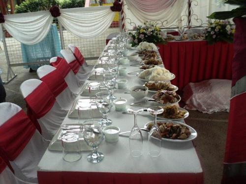 Wedding reception - Food Servings