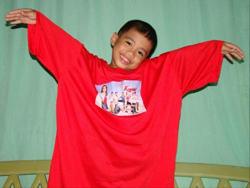 Zyruz with his Alagang Kapatid Shirt - Zyruz with his Alagang Kapatid Shirt. This shirt was personally handed by Ms. Cheryl Cosim during our last meeting in Cebu on June 25, 2011.