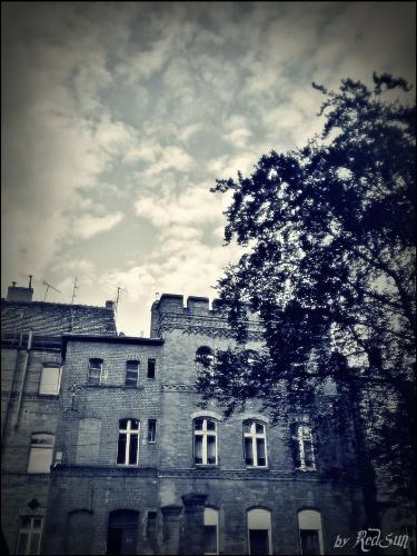 castle, part 2 - Second photo of castle.... It look like from horror or other scary movie;p