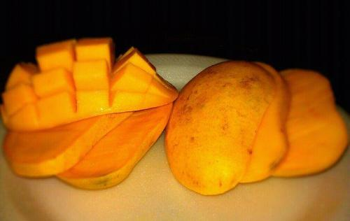 Ripe Mango - Mango Slices