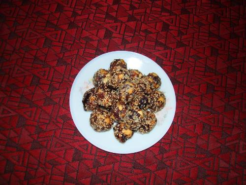 Dink Laddoos - I was determined to work on this recipe and when done had a good feed