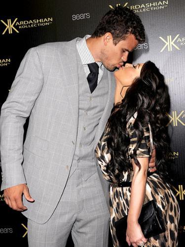 Just married - Kris Humphries married Kim Kardashian yesterday.