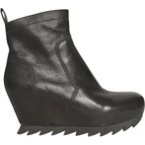 Black boot - I still can't see why boots need to have such high heels! They aren't for me!