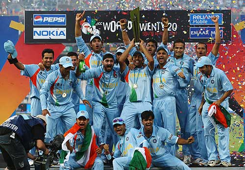 twenty20champian - Indian team group photo after winning the T20 world cupl