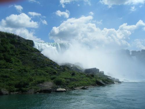 Niagra Falls - A shot of Niagra Falls. So beautiful!