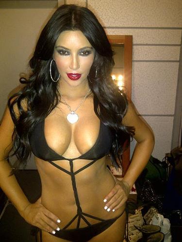 Black bikini - Kim Kardashian sure can wear a bikini!