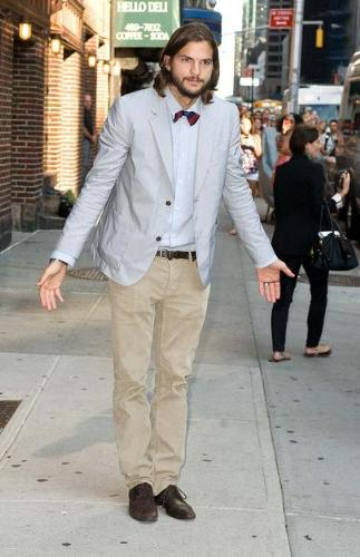Ashton Kutcher - He looks like a dork with that red bow tie! Eeek!