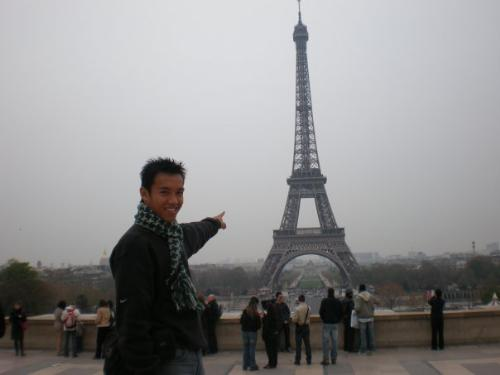 Holiday - Holiday in Paris