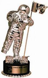 cursing at the MTV music awards - MTV award - moon man
