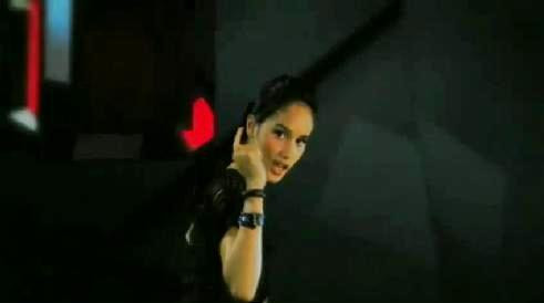 cinta laura - cinta laura says 'see you'