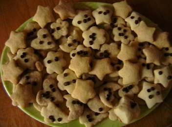 Piscoturi - the local form of the chocolate chips cookies