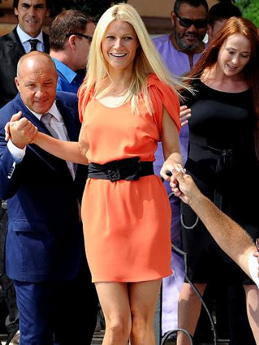 Gwyneth Paltrow - I like the dress! I even like the orange color!