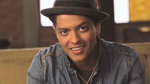 Bruno Mars - A Happy Bruno Mars in all his success!