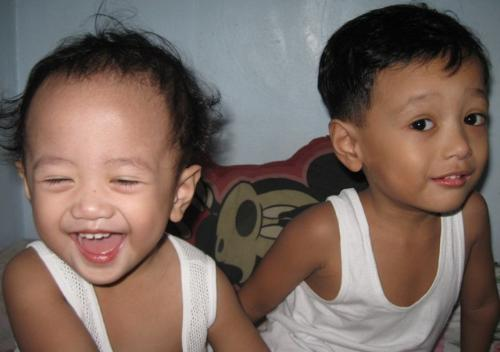 My 2 sons... - Meet Andrei and Aedrel (youngest)...