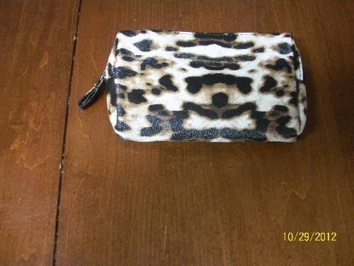 Make-up bag - Here is a picture of my free make-up bag.