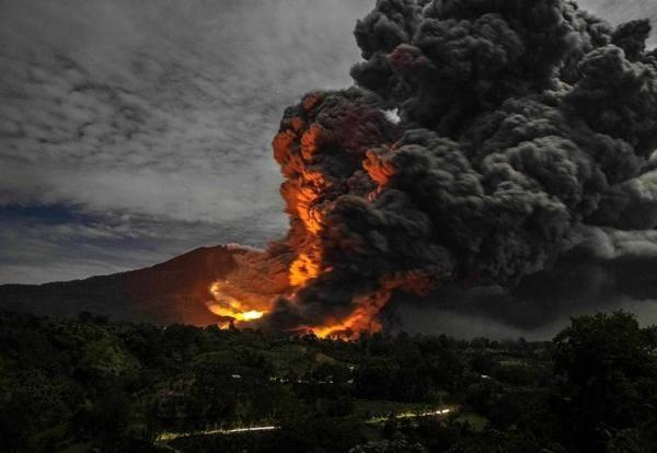 Large pyroclastic flow on Sinabung on 9 Oct 2014