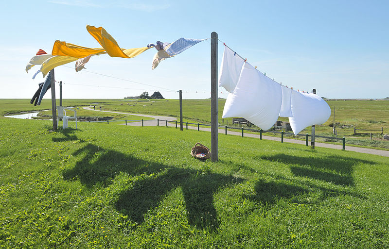 clothes line credit https://en.wikipedia.org/wiki/File:Hallig_Hooge,_Germany,_view_from_the_Backenswarft.jpg